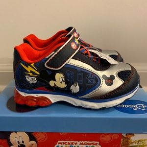 NWT Mickey Mouse Toddler Light Up Shoes